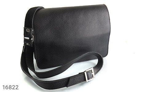 عکس کیف چرم طبیعی مدل دوشی طرح اسپرت مشکی