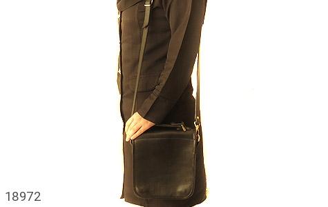 تصویر کیف چرم طبیعی مشکی مدل دوشی جیب دار - شماره 7