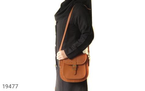 تصویر کیف چرم طبیعی مدل دوشی اسپرت عسلی زنانه - شماره 8