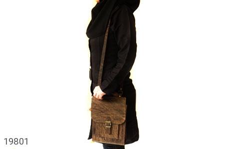 تصویر کیف چرم طبیعی خاکی طرح ابروبادی دستی یا دوشی اسپرت - شماره 9