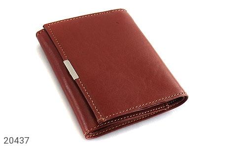عکس کیف چرم طبیعی قهوه ای مایل به قرمز مدل جیبی دکمه دار