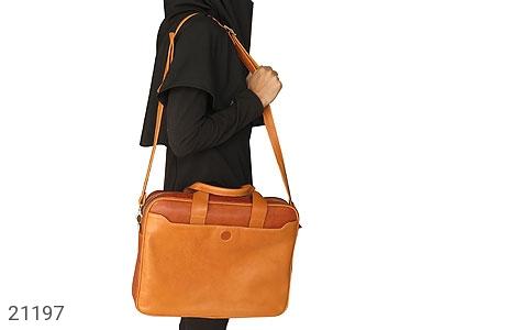 عکس کیف چرم طبیعی عسلی دستی یا دوشی سایز بزرگ - شماره 9