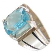 انگشتر توپاز آبی کلاسیک و فاخر مردانه