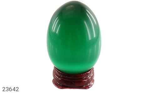 عکس تندیس چشم گربه سبز تخم مرغی با پایه چوبی