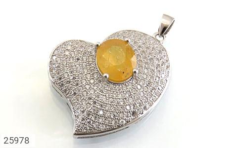 عکس مدال نقره یاقوت زرد طرح قلب زنانه