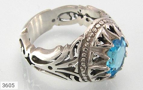 عکس انگشتر نقره توپاز آبی طرح دلیر مردانه