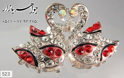 عکس گل سر طرح قو (قرمز) پرنگین زنانه