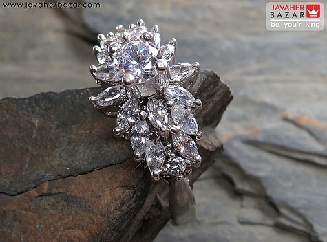 انگشتر نقره طرح جواهری زنانه