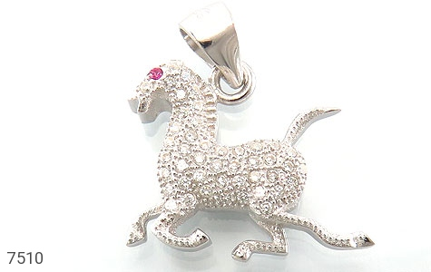 عکس مدال نقره فانتزی طرح اسب زنانه