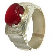 انگشتر نقره عقیق یمن قرمز خوش رنگ رکاب طرح صفوی مردانه