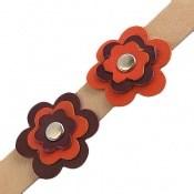 دستبند چرم طبیعی طرح دو گل درشت دست دوز زنانه دست ساز