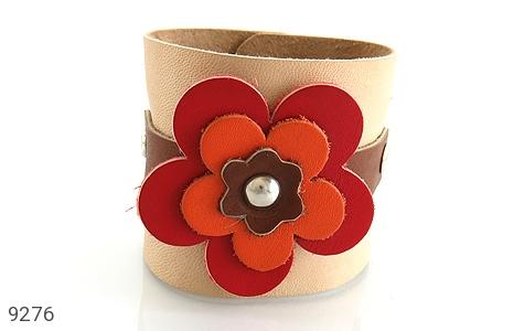 تصویر دستبند چرم طبیعی طرح گل درشت پهن زنانه - شماره 5