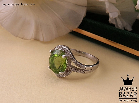 انگشتر زبرجد سبز زنانه