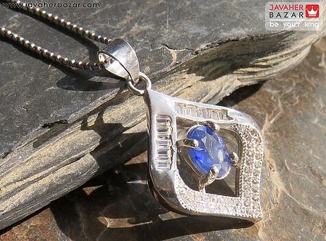 مدال یاقوت آبی زنانه