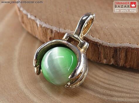 عکس مدال چشم گربه سبز زنانه