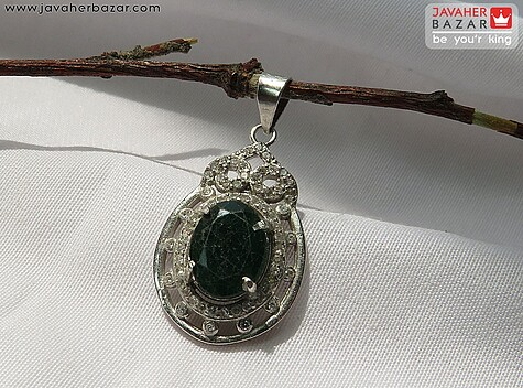 عکس مدال زمرد سبز زنانه