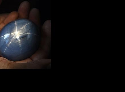 بزرگترین یاقوت کبود ستاره ای در سریلانکا